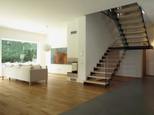 escalier tournant avec rampe
