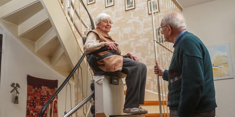 Les normes de sécurité basiques dans un monte-escalier
